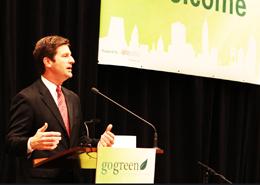 Mayor Greg Stanton addresses a gogreen conference/Flickr