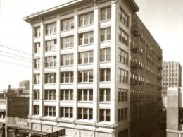 The Heard Building in the 1920s, Central Avenue in Phoenix.:Courtesy of Library of Congress