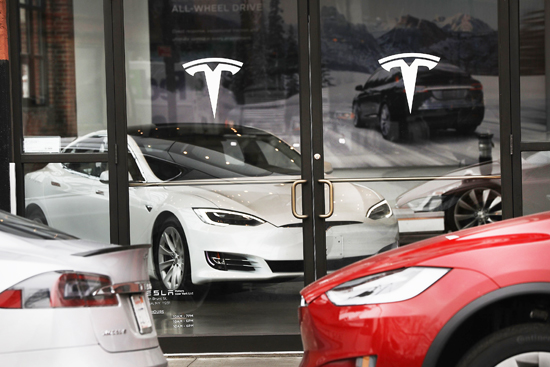 Tesla Overtakes Gm To Become Most Valuable U S Auto Maker Rose Law Group Reporter Rose Law
